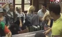 Farma 5: Sara Trajanović gađala Ivana flašom! (Video)