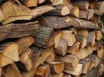 Prodaju drva na kiosku