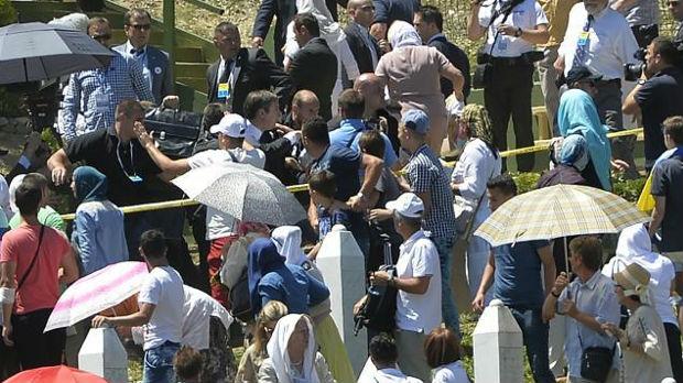Odbijen zahtev za smenu zbog napada na Vučića u Srebrenici