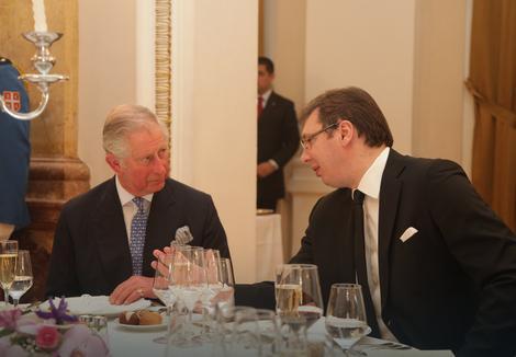 Pogledajte kako je bilo na svečanoj večeri u čast prinčevskog para