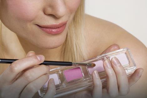 SRBIJA DEPONIJA EVROPE Uvozimo škart kozmetiku iz EU