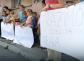PROTEST MAJKI U TUZLI Deca političara se hrane po restoranima, a naša nemaju za kifle