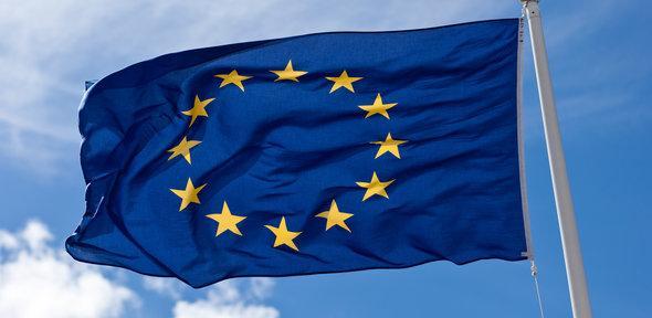 EU zahteva od Facebook-a, Google-a i Twitter-a da zaštite korisnike od prevara na društvenim mrežama