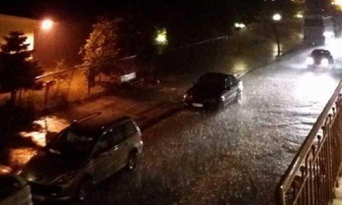 Haos u Grčkoj: Jaka kiša, poplave, 15 stepeni