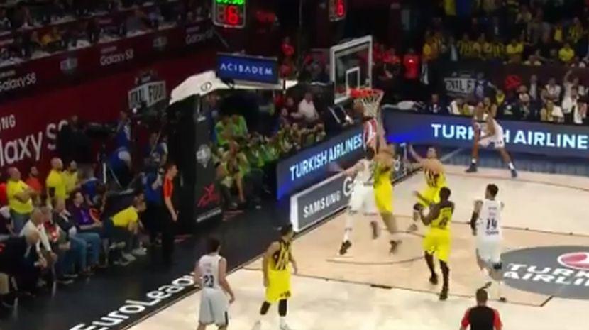 Kalinić blokadom vratio Dončića u detinjstvo! (VIDEO)