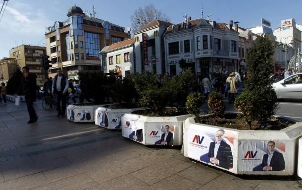 SNS: Iz štaba Jankovića cepali plakate u Kraljevu