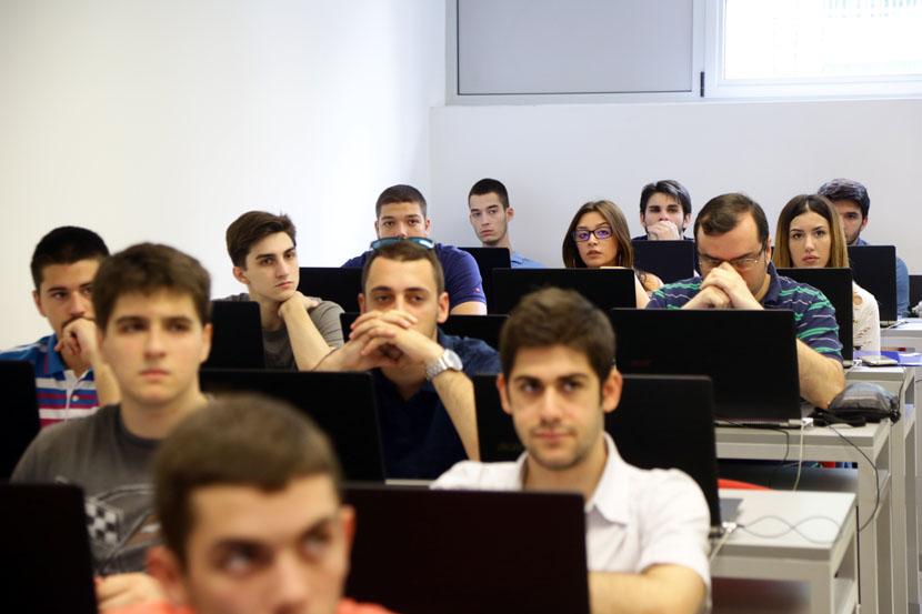 Mađarski učenici ustaju protiv Višeg suda u Novom Sadu: Odbačen im zahtev da polažu prijemni na maternjem
