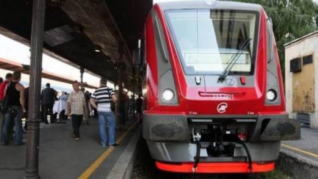 Neviđeno u srpskim vozovima: Putnici će da hrle