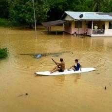 Stravične poplave na Haitiju: Traga se za nastradalima
