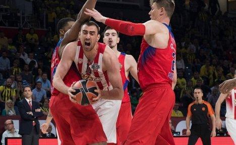 (VIDEO) MILUTINOV ZA KURIR: Srpski košarkaš otkrio kako je Olimpijakos napravio veliki preokret