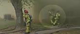 Vatrogasac uhvatio bebu bačenu iz zapaljene zgrade VIDEO