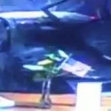 Zakucao se autom u banku: Sigurnosna kamera SVE SNIMILA! (VIDEO)