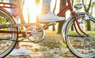 AKCIJA NA NOVOSADSKOM BULEVARU: Lopov bežao na ukradenom biciklu, policajac u civilu ipak bio brži!