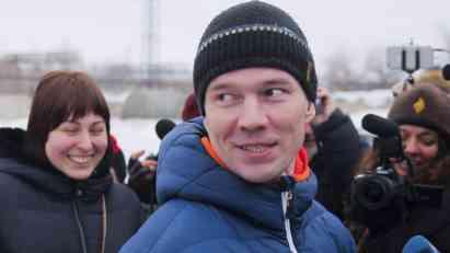 Aktivista, protivnik Kremlja, pušten iz zatvora, tvrdi da je mučen