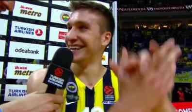 Bogdan je ovo doživeo samo od Grobara: Srbinu se klicalo usred Istanbula, pogledajte kako je reagovao! (VIDEO)