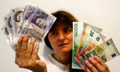 Evro u ponedeljak 123,97 dinara