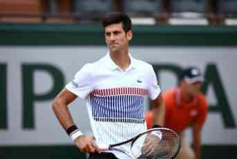 (FOTO) PRATILI ĐOKOVIĆA U STOPU: Dok je Novak igrao nešto neobično se dešavalo na tribinama Rolan Garosa