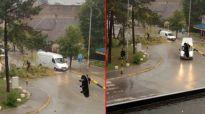 HAOS U VALJEVU: GROM oborio drvo i bacio ga na GLAVNI put, saobraćaj bio u KOLAPSU! (FOTO)