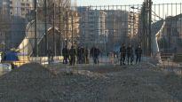Inspektori traže rušenje zida u Kosovskoj Mitrovici