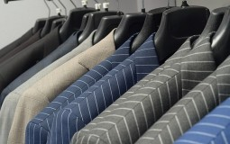 Iz budžeta Subotice izdvojeno više od 7.000 evra za cipele i odela zaposlenih