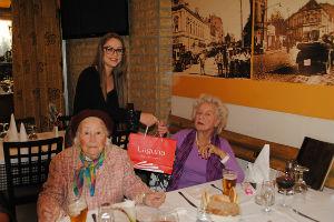 Laguna nagradila prijateljstvo! Poklonima obradovala drugarice koje se druže već sedam decenija
