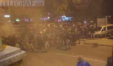 MAKEDONIJA GORI: Izbio žestok sukob policije i demonstranata! (VIDEO)