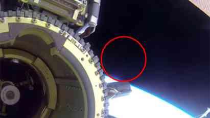 Misteriozna svetla protutnjala pored svemirke stanice, astronauti pokušali da sve zataškuju (FOTO) (VIDEO)