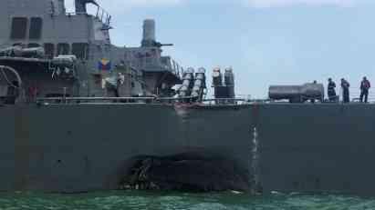 Mornarica SAD naredila dvodnevnu pauzu u operacijama nakon sudara razarača i tankera