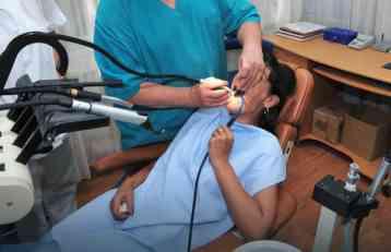 NIJE LAKO KADA ZUB BOLI! Zbog jakih bolova pacijent polupao stomatološku ambulantu