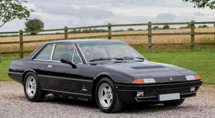 Na aukciji i Ferrari 400i koji je pripadao Kitu Ričardsu