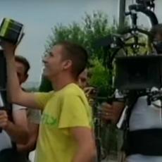 Na kraju snimanja serije Psi laju, vetar nosi: Puno glumaca na setu, a među njima i pevačica Evrovizije