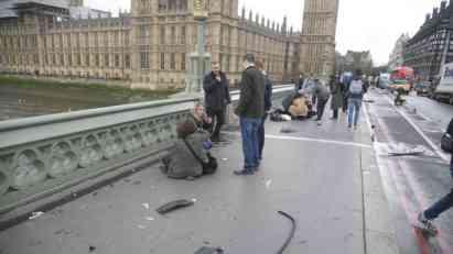 Četvoro mrtvih u napadima vozilom i nožem u Londonu