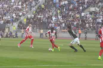 Nemac sudi Zvezdi, a Englez Partizanu!