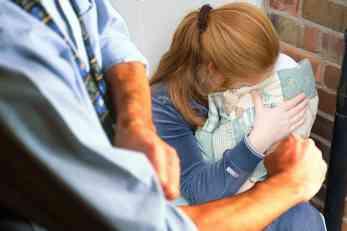 Novi slučaj porodičnog nasilja u Srbiji: Pijan maltretirao ženu i sina, odmah dobio pritvor od 48 sati