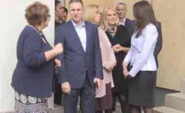 (VIDEO)OD 1. JUNA UDARITE LI ŽENU IDETE PRAVO U ZATVOR: Stefanović i Kuburović posetili Sigurnu kuću