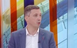 Obradović: Srbija i dalje pomaže Fijat i kao narkomanu daje nove subvencije