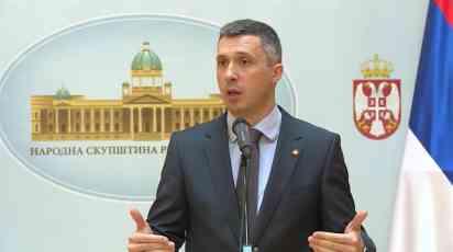 Obradović: Vlada kao narkoman daje nove subvencije Fijatu