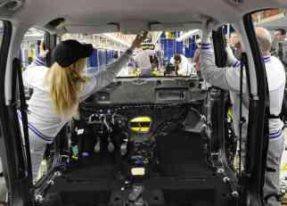 Ove zemlje EU su otvorile Srbima vrata za posao: Satnice do 3 evra, radi se u automobilskoj industriji