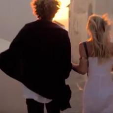 P*NIS MU JE MALI! Pukao najlepši par na svetu - a onda se ona RASPRIČALA! (VIDEO)
