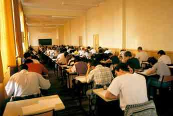 PODRŠKA PORODICAMA SA DECOM: Novi zakon uvodi 13. dečji dodatak za srednjoškolce
