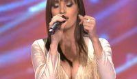 PRVI DEKOLTE ZVEZDA GRANDA: Pogledajte zbog čega je žiri bukvalno ZANEMEO dok je Marijana pevala! (VIDEO)