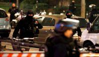 Pariz: Naoružani pljačkaš držao taoce u turističkoj agenciji