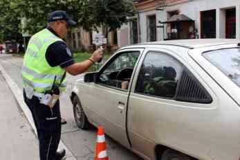 """Policija je zaustavila """"korsu"""" zbog rutinske kontrole, a onda su videli da je dozvola falsifikovana, i to nije sve!"""