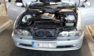 Policija uhapsila Srbina nakon što su mu pronašli pakete marihuane skrivene u automobilu (FOTO)