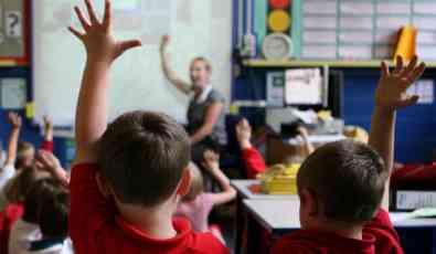 Polovina škola podržava uvođenje uniformi
