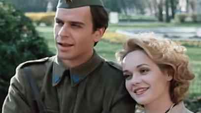 """Pre 30 godina sa Žarkom Lauševićem je bila zvezda filma """"Oficir s ružom"""", bila je seks simbol u Jugoslaviji, a ovako danas izgleda Ksenija Pajić (VIDEO)"""