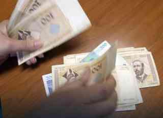 Prosečna plata u RS za mart 828 KM
