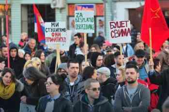Protesti u Srbiji: Građani se okupili u Novom Sadu, Nišu i Subotici