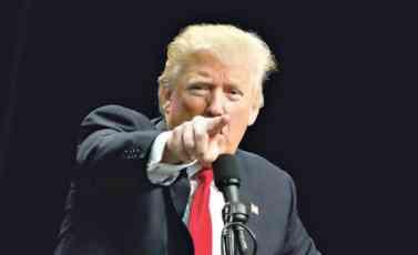 TRAMP: Besmislicama o mojim vezama sa Rusima prikrivaju greške u kampanji Klintonove