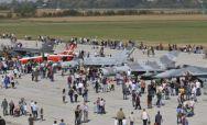 UŽIVANJE ZA LJUBITELJE AVIJACIJE: Migovi i helikopteri ostavili bez daha posetioce na Batajnici